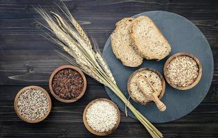 conceito de grãos inteiros foto