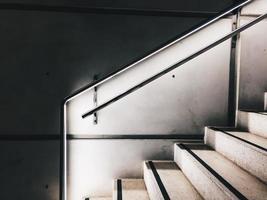 arquitetura de escadas na cidade de bilbao, espanha foto