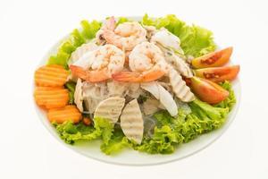 salada de macarrão apimentado, estilo tailandês foto