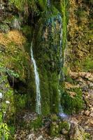 cachoeira gostilje na montanha zlatibor na sérvia foto