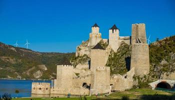Fortaleza Golubac na Sérvia foto
