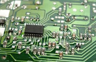 close-up de uma placa de circuito foto