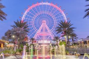 orlando, florida, eua 2016 - o orlando eye é uma roda gigante de 120 metros de altura no coração de orlando e a maior roda gigante de observação na costa leste foto