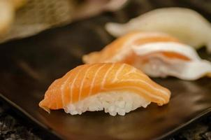 sushi de salmão fresco foto
