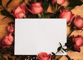 cartão vazio em rosas