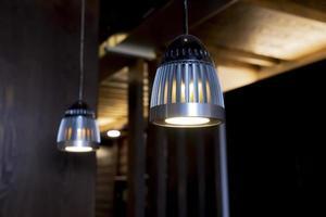 luzes de teto industriais foto