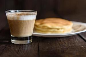 panquecas com cappuccino foto