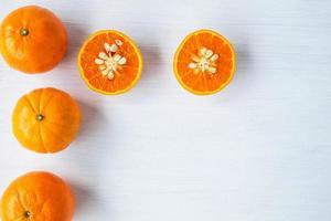 vista superior de frutas cítricas foto