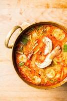 sopa de camarão picante foto