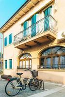 caorle, itália 2017- distrito turístico da antiga cidade provincial de caorle, na itália foto