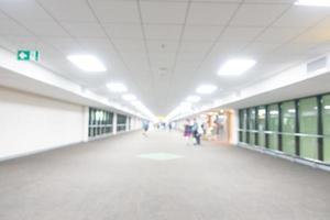 interior desfocado abstrato do aeroporto para o fundo foto