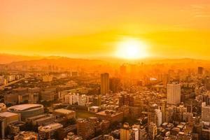 bela arquitetura construindo a cidade de taipei foto