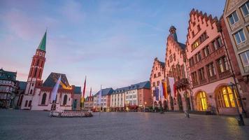 Praça Romerberg no centro de Frankfurt, Alemanha