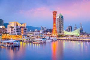 horizonte do porto de kobe no japão foto