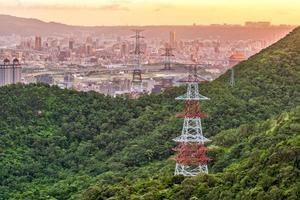 torres de alta tensão em taipei, taiwan
