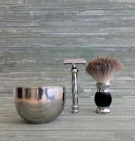 um kit de barbear da velha escola foto