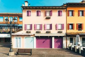 caorle, itália 2017- distrito turístico da antiga cidade provincial de caorle, na itália