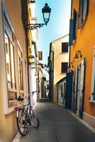distrito turístico da antiga cidade provincial de caorle, na itália