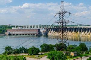 2015- rio dnieper, inglaterra- barragem hidroelétrica no rio dnieper foto