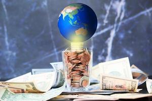 negócios ou finanças economizando dinheiro e conceito de crescimento de negócios
