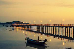 ilha de phuket, tailândia, 2021 - ilha de phuket à noite foto