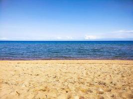 horizonte do mar da praia foto