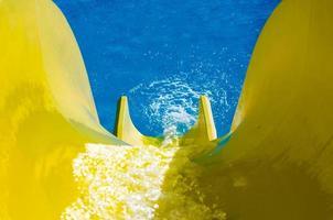 toboágua amarelo foto