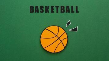 recorte de papel de uma vista superior do basquete