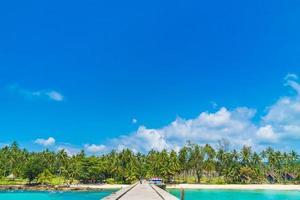 linda praia tropical e mar