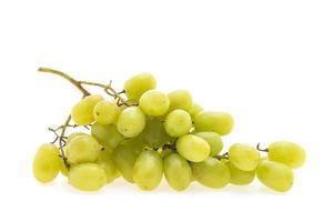 frutas uvas isoladas no fundo branco foto