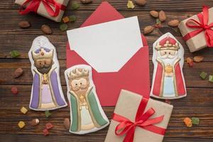 estatuetas comestíveis de biscoito da realeza foto