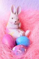 ovos de páscoa e coelho foto