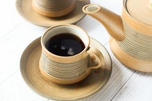 servindo chá de uma cerimônia do chá foto