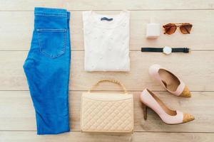 conjunto de moda feminina foto