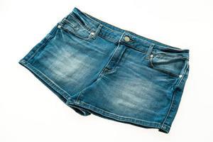 moda calça jeans curta para mulheres foto