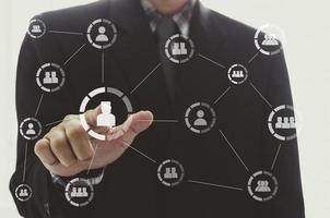 mão do empresário na rede social
