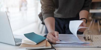 folhear documentos profissionais
