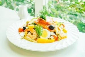 salada mista de frutos do mar foto
