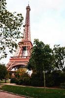 paris, frança 2015 - torre eiffel durante o dia foto