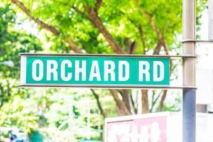 sinalização de estrada de pomar em Singapura foto