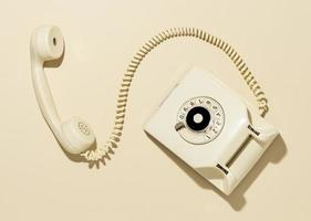 arranjo de telefone amarelo vintage foto