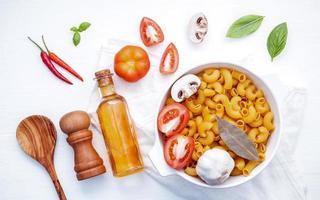 conceito de comida italiana e design de menu foto