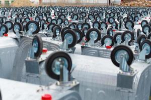 armazém armazenamento novos contêineres de lixo