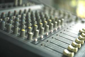 estúdio de gravação de som ou painel de controle do mixer de música de som