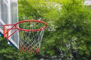cesta de basquete no parque