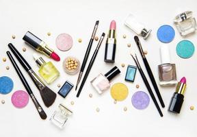 cosméticos planos lay foto