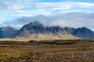 paisagem e vista da montanha da Islândia foto