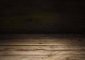 mesa de madeira vazia como fundo em branco como espaço de cópia foto