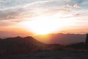 bela paisagem por do sol foto