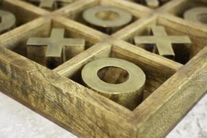 jogo de tabuleiro de boi de madeira foto